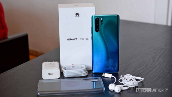Huawei sẽ dừng tặng kèm cục sạc trong hộp máy nhưng nguyên nhân đằng sau quyết định này thật bất ngờ - ảnh 1