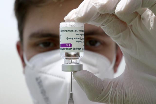 Thủ tướng Đức Angela Merkel tiêm vaccine COVID-19 của AstraZeneca - ảnh 1
