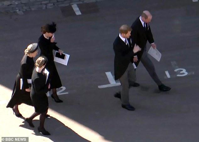 Tiết lộ nội dung cuộc trò chuyện hàn gắn giữa Hoàng tử William và em trai Harry, Meghan lên tiếng ăn theo - ảnh 2