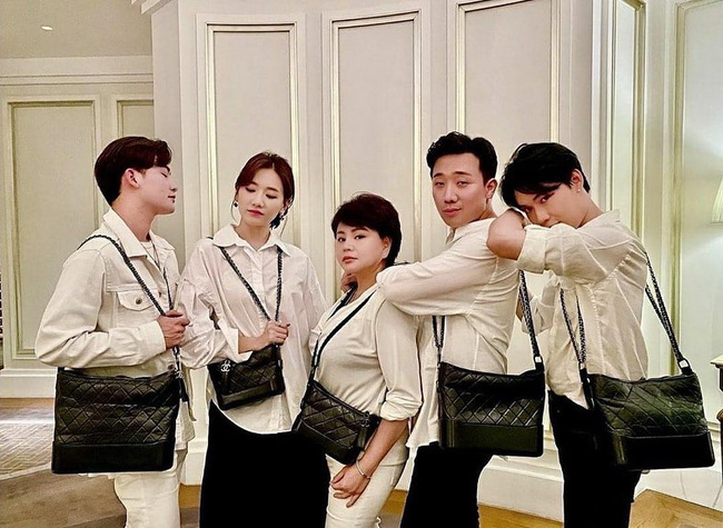 Đáng lẽ Hari Won nên mặc áo sơ mi nhiều hơn vì lần nào diện trông nàng cũng trẻ đẹp hết nấc! - ảnh 3