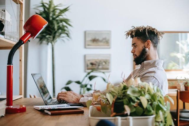Nếu có 4 dấu hiệu sau đây, hãy nghỉ việc làm thuê ngay và luôn, bạn tự đi kinh doanh hay mở công ty sẽ thành công hơn gấp 1000 lần - ảnh 1