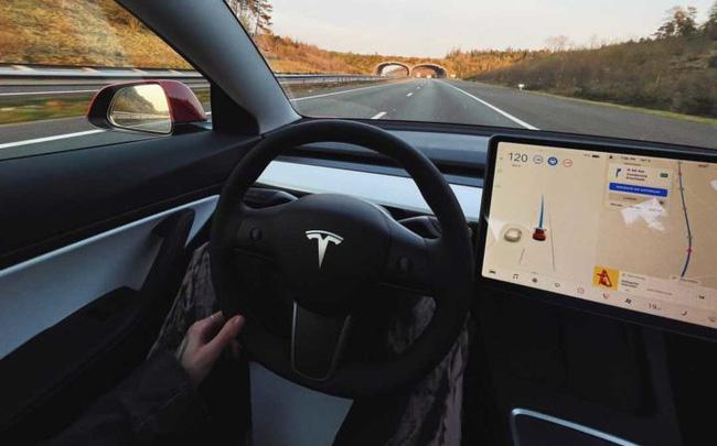 Tesla Model S gây tai nạn khiến 2 người chết, Elon Musk tuyên bố xanh rờn: Tesla an toàn gấp 10 lần xe thông thường - ảnh 1