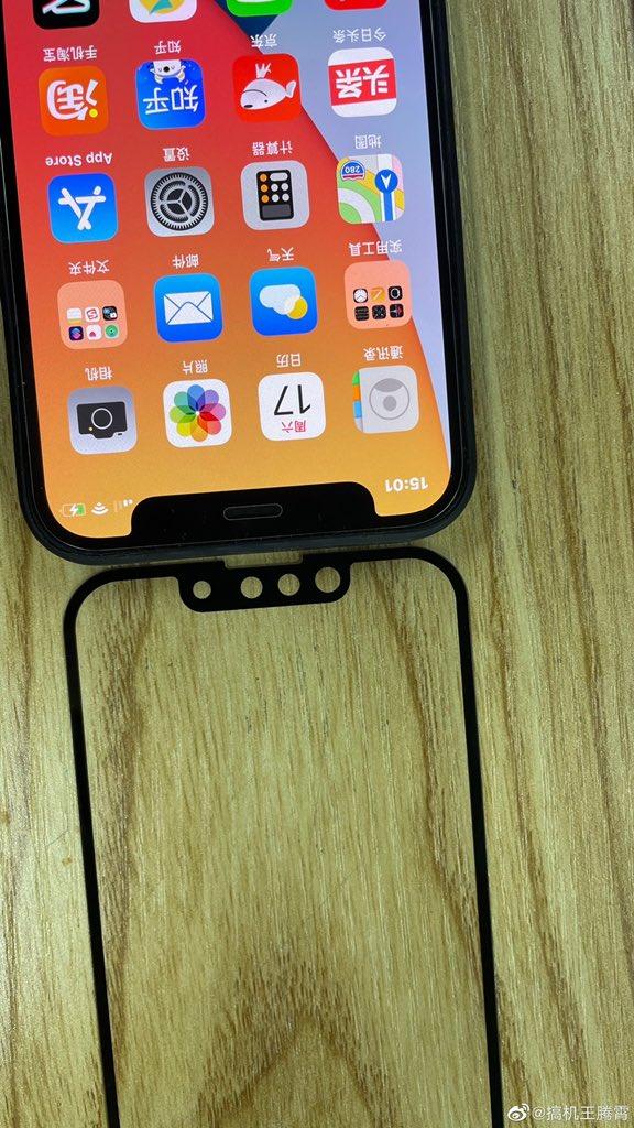 Hình ảnh so sánh rãnh tai thỏ của iPhone 13 và iPhone 12 - ảnh 3