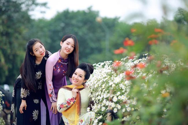 Con gái lớn của Thanh Thanh Hiền: Từ thời cấp 3 đã nổi đình đám vì xinh đẹp, hiện học trường danh giá ở Mỹ, chọn 1 khoa gây bất ngờ - Ảnh 1.