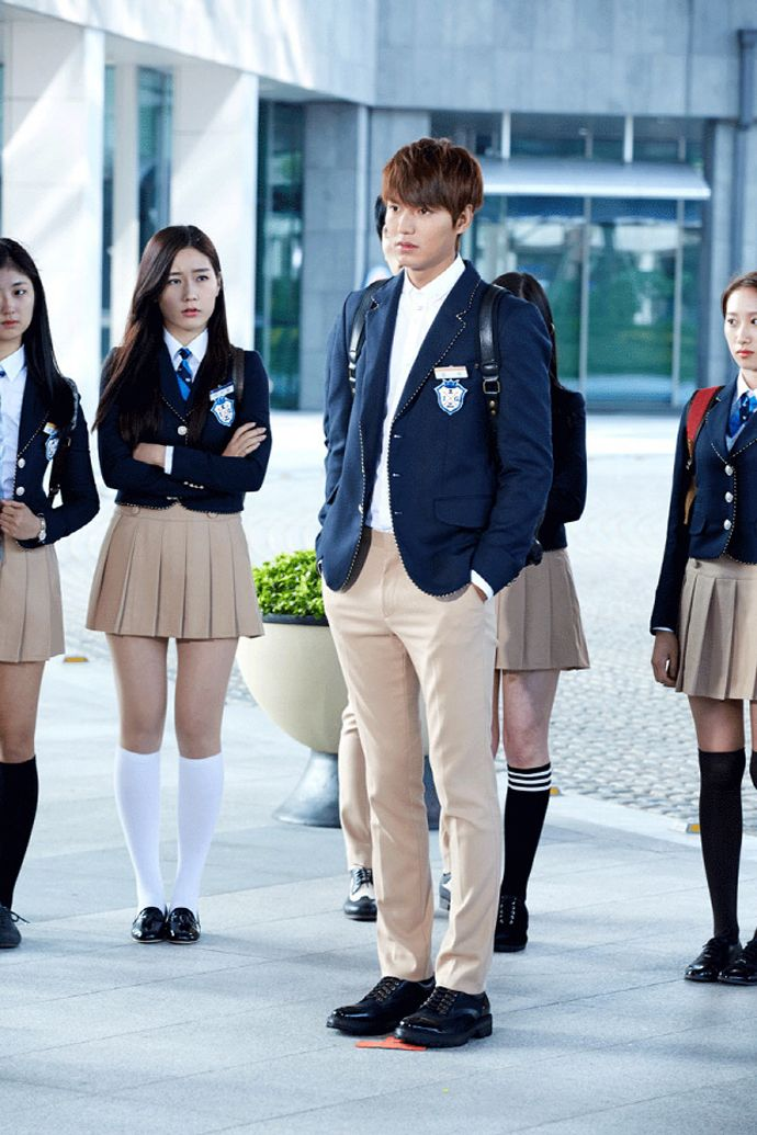 8 nam thần cưa sừng làm nghé ngọt nhất phim Hàn: Nhìn tuổi anh chú Hwang In Yeop với Kim Bum mà sốc xỉu! - Ảnh 11.