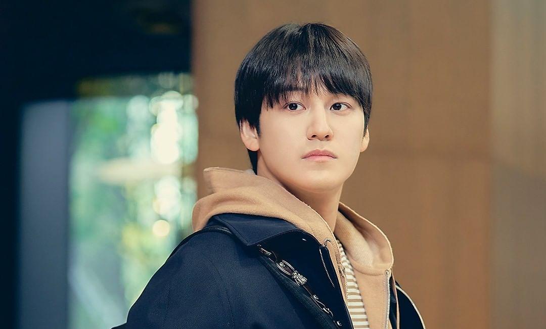 8 nam thần cưa sừng làm nghé ngọt nhất phim Hàn: Nhìn tuổi anh chú Hwang In Yeop với Kim Bum mà sốc xỉu! - Ảnh 6.