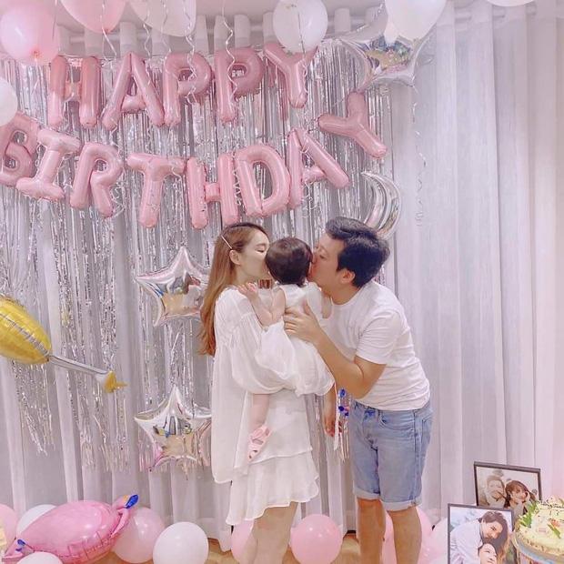 Trường Giang một mình đón sinh nhật cùng bạn bè, Nhã Phương và con gái không xuất hiện trong phim truyền hình?  - Ảnh 4.