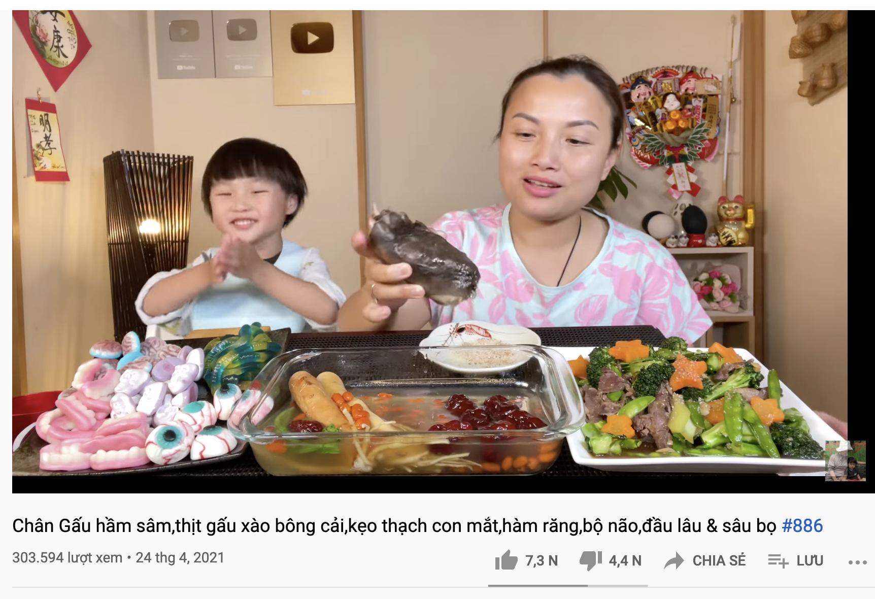 Quynh Tran JP made a direct move to the clip to eat offensive bear feet, according to Internet users: - Photo 1.