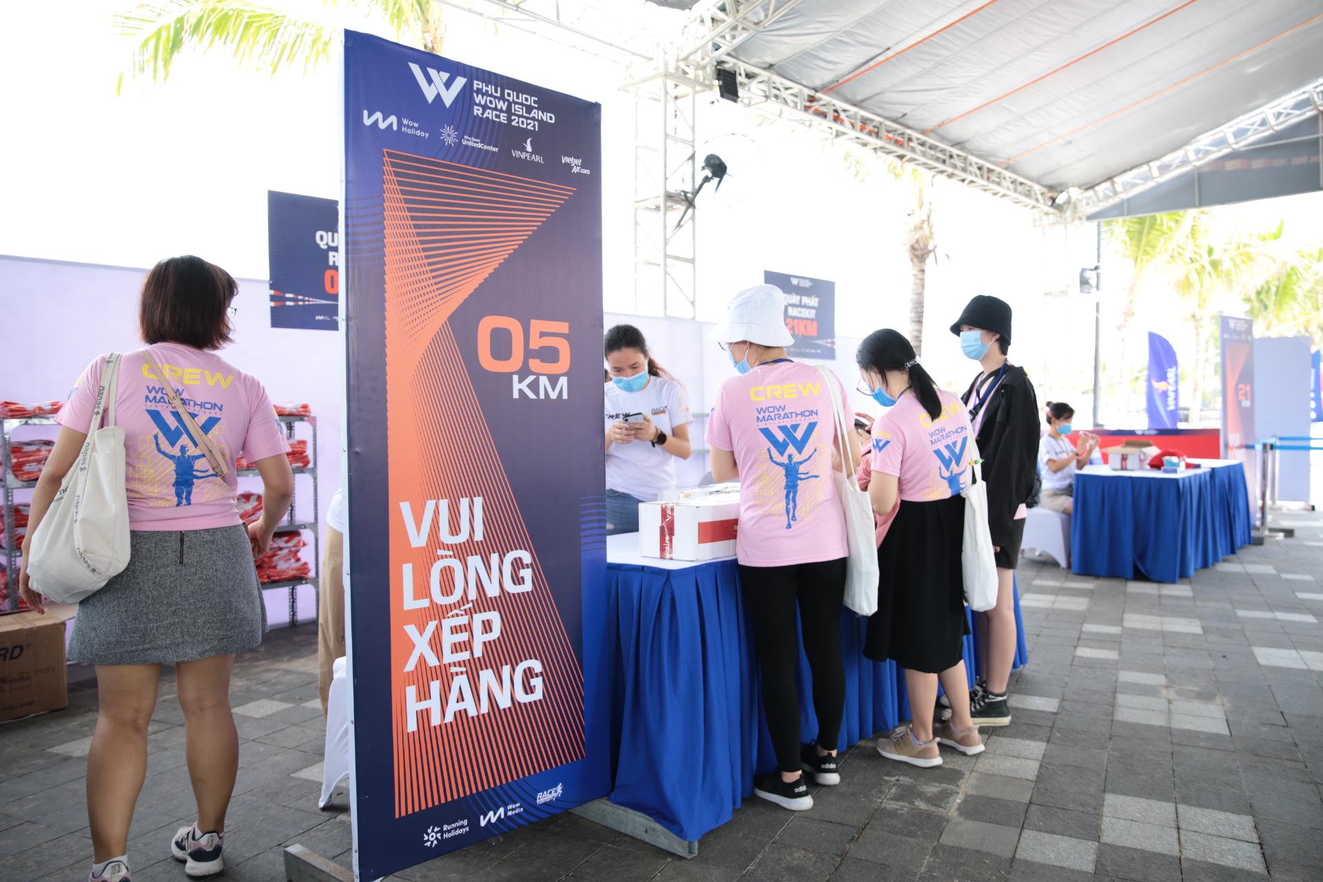 Giải chạy Phú Quốc WOW Island Race 2021 khởi động với hơn 2000 vận động viên tham dự - Ảnh 2.