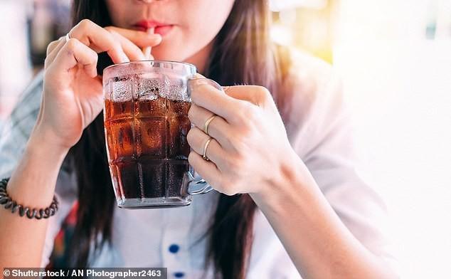 5 loại thực phẩm cần tránh tiêu thụ trong kỳ kinh nguyệt, đừng tham lam mà ăn vào nếu không muốn gây hại tử cung - ảnh 3
