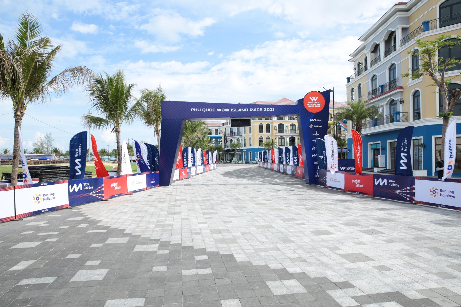 Giải chạy Phú Quốc WOW Island Race 2021 khởi động với hơn 2000 vận động viên tham dự - Ảnh 3.