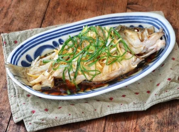 Ăn cá rất tốt cho sức khỏe nhưng có 4 kiểu loại thực phẩm này không nên ăn kẻo gây hại cho sức khỏe - ảnh 1