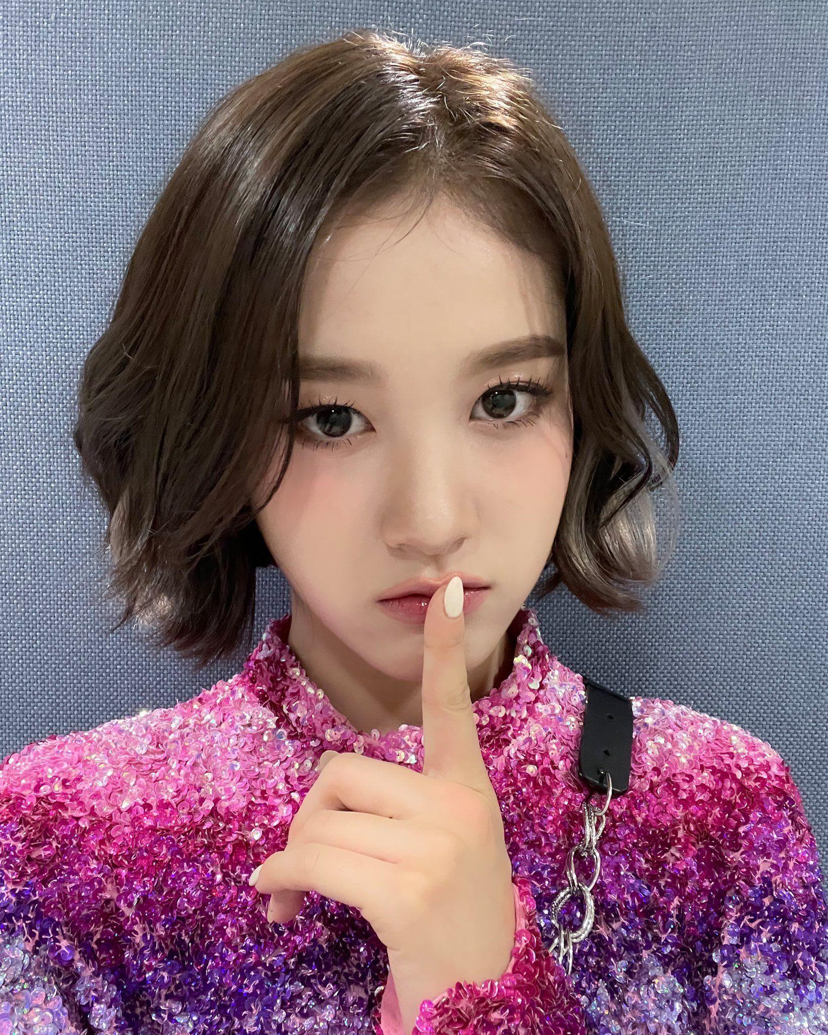 Dân Hàn khen em út STAYC là tiểu Yoona vì giống cả mặt cả style nhưng dân Việt lại phản đối cực gắt - Ảnh 4.