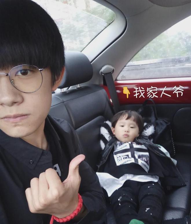 Soi visual hội anh chị em của sao Cbiz: Em trai Angela Baby - Triệu Lệ Dĩnh chuẩn mỹ nam, Phạm Thừa Thừa gây tranh cãi nhất - Ảnh 10.