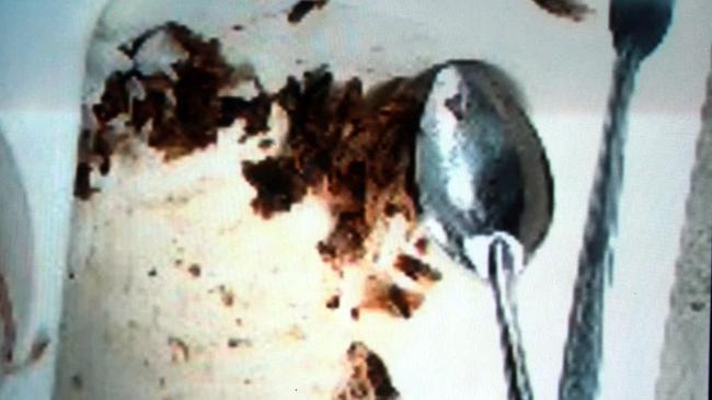 Hàng loạt vụ đồ ăn có giòi nhung nhúc bị phanh phui: Từ sự cẩu thả trong chế biến đồ ăn đến sức khỏe người tiêu dùng bị đe dọa - ảnh 6