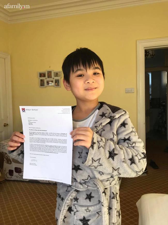 Không giỏi tiếng Anh nhưng bà mẹ ở Phú Thọ vừa học vừa giúp con chinh phục học bổng 2 trường tư thục nước ngoài nổi tiếng - ảnh 1