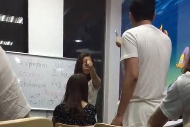 Cô giáo tiếng Anh từng chửi học viên mặt người óc lợn 3 năm trước giờ ra sao? - ảnh 1