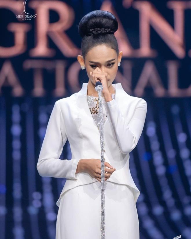 Hoa hậu đối thủ của Á hậu Ngọc Thảo tại Miss Grand có động thái gây ngỡ ngàng giữa lúc bị truy nã - ảnh 1