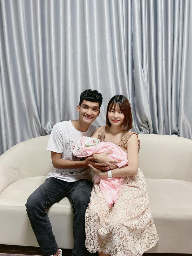 Mạc Văn Khoa khoe ảnh gia đình hạnh phúc, netizen xỉu up xỉu down với gương mặt tấu hài của cô con gái - ảnh 6