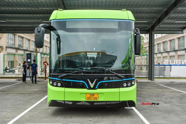 Trải nghiệm VinBus tại Hà Nội: Nhiều tính năng thông minh, tự nâng/hạ gầm, WiFi miễn phí, giá như buýt thường - ảnh 2