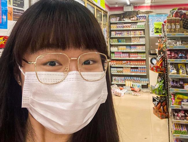 Vào cửa hàng tạp hóa mua đồ, khách la hét hoảng sợ khi chứng kiến cảnh tượng rùng rợn ngỡ quái vật ngoài hành tinh xâm chiếm Trái đất - ảnh 1