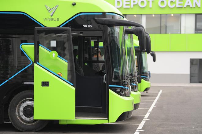 Ảnh: VinBus chính thức khai trương, đưa vào vận hành tuyến xe buýt điện thông minh đầu tiên của Việt Nam - ảnh 17