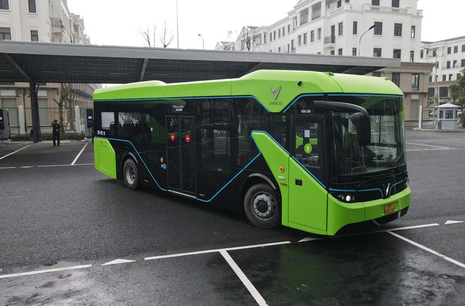Ảnh: VinBus chính thức khai trương, đưa vào vận hành tuyến xe buýt điện thông minh đầu tiên của Việt Nam - ảnh 19