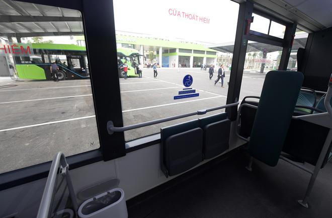 Ảnh: VinBus chính thức khai trương, đưa vào vận hành tuyến xe buýt điện thông minh đầu tiên của Việt Nam - ảnh 4