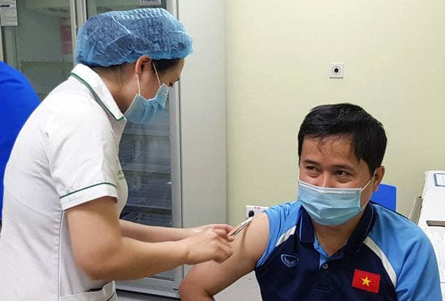Đội tuyển Việt Nam lùi lịch tiêm vaccine Covid-19 - ảnh 4
