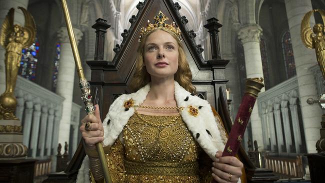 Nữ hoàng vĩ đại nhất nước Nga: Bắt giam chồng để lên ngôi, độc ác chuyên quyền, tình sử phóng đãng và cái chết bí ẩn - ảnh 5