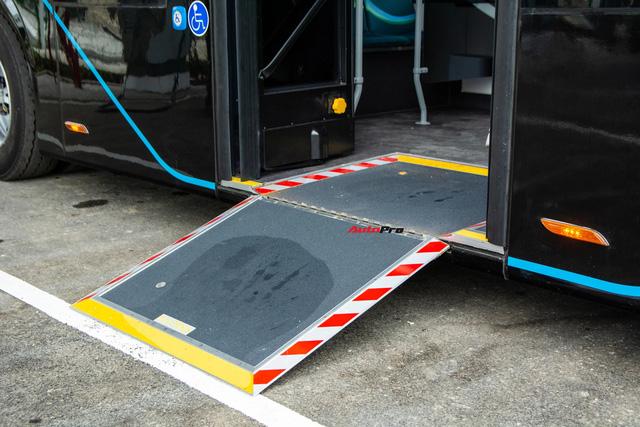Trải nghiệm VinBus tại Hà Nội: Nhiều tính năng thông minh, tự nâng/hạ gầm, WiFi miễn phí, giá như buýt thường - ảnh 6