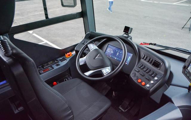Trải nghiệm VinBus tại Hà Nội: Nhiều tính năng thông minh, tự nâng/hạ gầm, WiFi miễn phí, giá như buýt thường - ảnh 7
