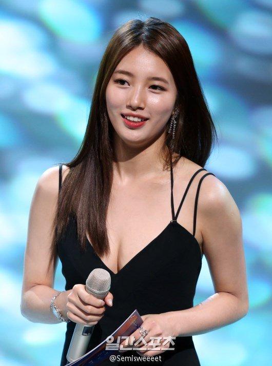 Nữ thần Baeksang gọi tên Suzy: 5 năm làm host rung chuyển xứ Hàn vì visual tuyệt mỹ, đỉnh nhất lần hở bạo và xén tóc ngắn cũn - ảnh 3