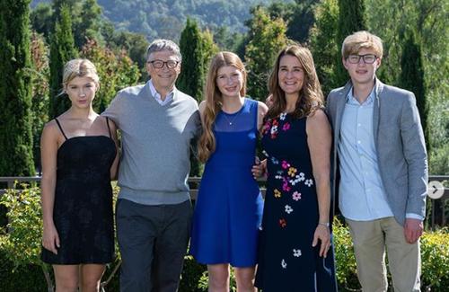 3 con nhà tỷ phú Bill Gates - tinh hoa của cuộc hôn nhân 27 năm cùng vợ cũ: Nhìn profile học tập khủng chỉ biết xuýt xoa con nhà người ta - ảnh 1