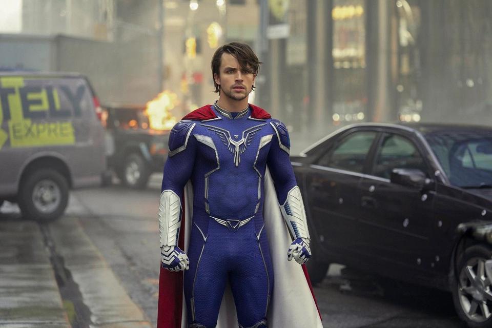 Jupiters Legacy: Sẽ thế nào nếu siêu anh hùng là những kẻ nghiện hút, ăn chơi trác táng? - Ảnh 8.