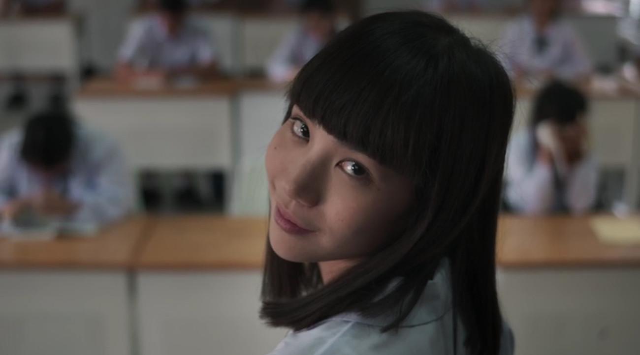 """Nanno (Girl From Nowhere 2) chỉ là bản con nít """"pha ke"""", thua xa độ máu me  của """"ác nữ"""" Tomie xứ Nhật?"""