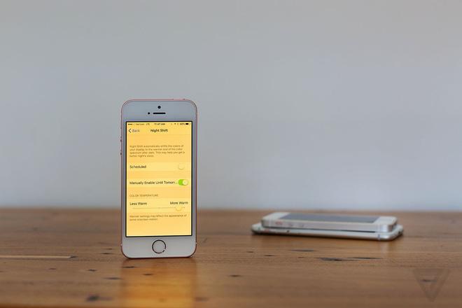 Nghiên cứu mới cho thấy tính năng Night Shift trên iPhone không giúp bạn ngủ ngon hơn - ảnh 1