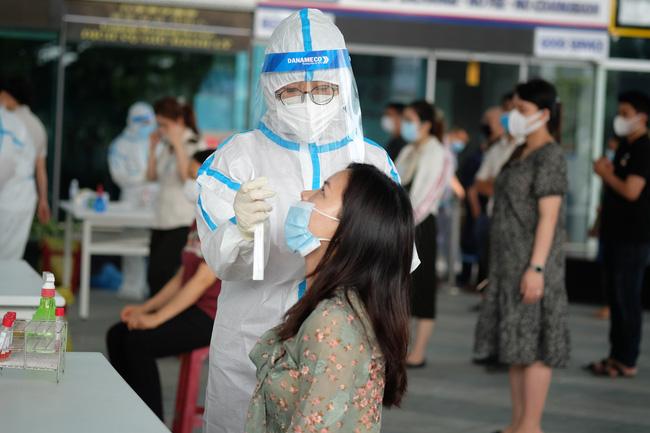 Diễn biến dịch ngày 11/5: 7 người liên quan BV Bệnh Nhiệt đới TƯ nhiễm biến chủng Ấn Độ; 1 học sinh 6 ở Nam Định dương tính SARS-CoV-2 - Ảnh 3.