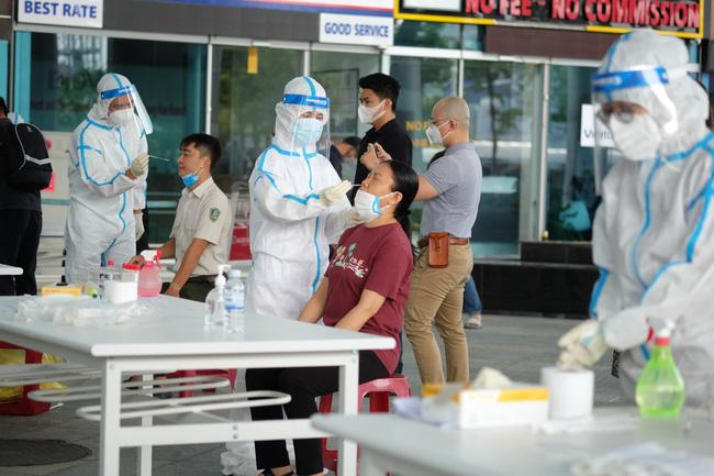 Diễn biến dịch ngày 11/5: 7 người liên quan BV Bệnh Nhiệt đới TƯ nhiễm biến chủng Ấn Độ; 1 học sinh 6 ở Nam Định dương tính SARS-CoV-2 - Ảnh 4.