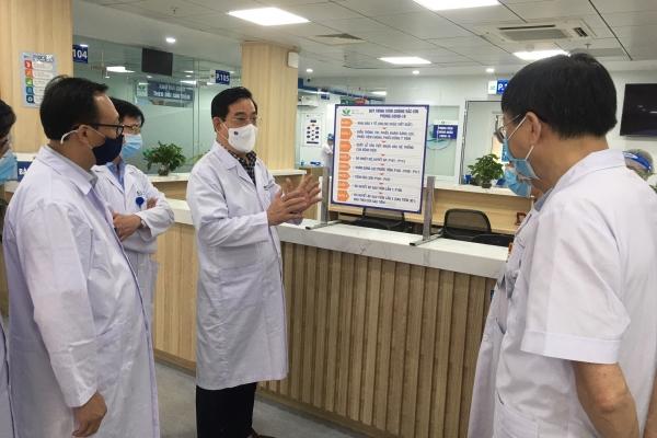 Bệnh viện Nhi TW giảm một nửa bệnh nhân đến khám để chống dịch COVID-19 - ảnh 1