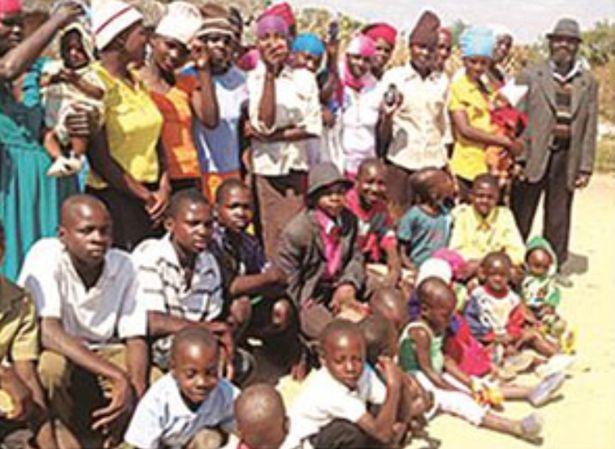 Người đàn ông 66 tuổi có 151 con, 16 vợ, quan hệ giường chiếu 4 lần/ đêm theo lịch nghiêm ngặt để mở rộng gia tộc - ảnh 2