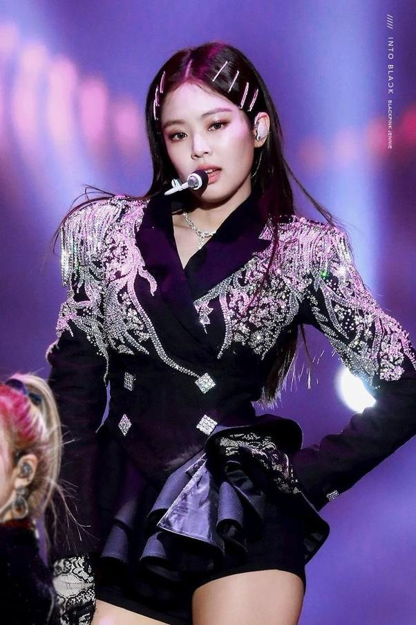 Nếu không làm idol, 9 sao Hàn sẽ làm gì: Jennie (BLACKPINK) làm ở sở thú, ước mơ của V (BTS) mới bất ngờ - ảnh 1