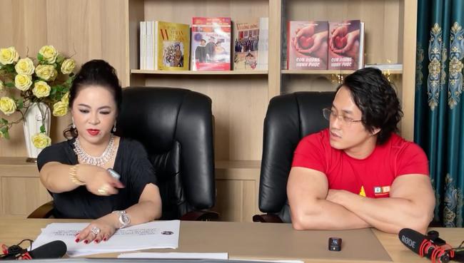 Bà Phương Hằng xin lại sách GDCD và Đạo đức của gymer từng xúc phạm cố NS Chí Tài, tuyên bố ship tận nhà con nuôi NS Hoài Linh - Ảnh 4.