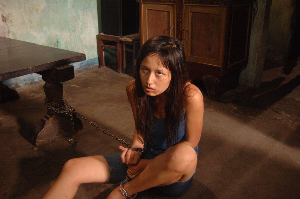 5 hoa hậu oanh tạc màn ảnh Việt: Khánh Vân vào vai gái lẳng lơ chưa sốc bằng nữ sinh nghiện ngập Mai Phương Thúy - Ảnh 13.