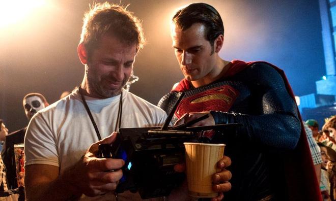 Đạo diễn Zack Snyder tiết lộ bị hãng phim tra tấn suốt thời gian làm Justice League bản mới - Ảnh 3.