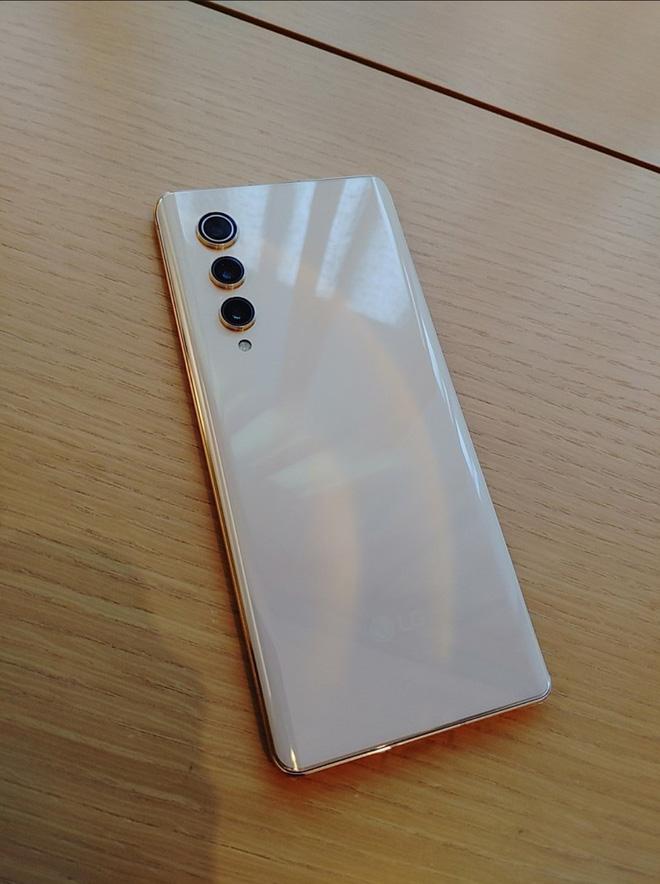 Rút khỏi mảng di động, LG thanh lý smartphone giá rẻ cho nhân viên: Snapdragon 888, màn hình OLED 120Hz, giá 4 triệu đồng - ảnh 1
