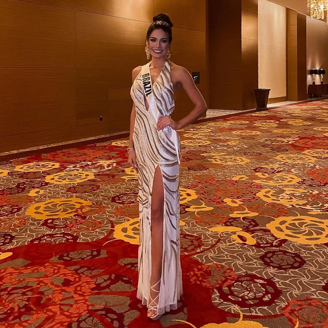 Á hậu 1 Miss Universe 2020 từng diện quốc phục gây đau mắt, hành trang chinh chiến chỉ hơn 10 bộ đồ - ảnh 12