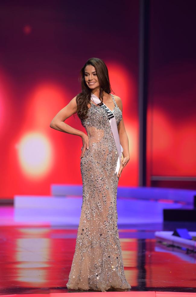 Á hậu 1 Miss Universe 2020 từng diện quốc phục gây đau mắt, hành trang chinh chiến chỉ hơn 10 bộ đồ - ảnh 14