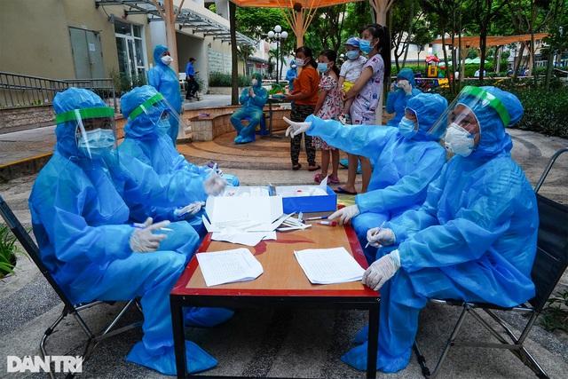 Diễn biến dịch ngày 19/5: Thêm 6 F1 của vợ chồng nguyên Giám đốc Hacinco dương tính với SARS-CoV-2; Phát hiện chùm 12 ca tại công ty Samkwang Vina - Ảnh 1.