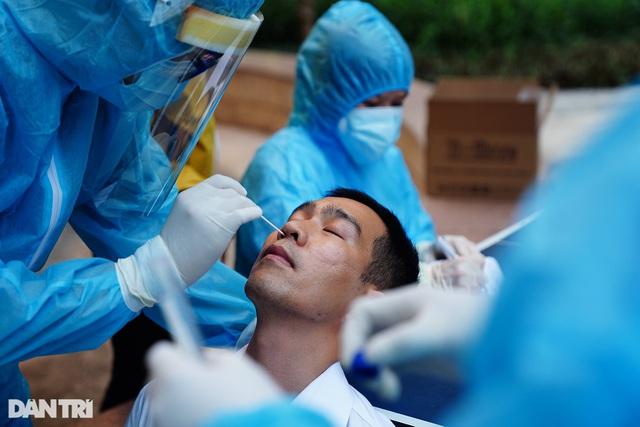 Diễn biến dịch ngày 19/5: Chùm lây nhiễm liên quan vợ chồng nguyên GĐ Hacinco cực kỳ phức tạp; Ổ dịch KCN Quang Châu rất nguy hiểm, có thể tất cả công nhân đã nhiễm bệnh - Ảnh 1.